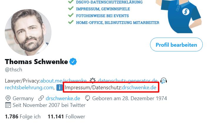 Bei Twitter kann das Impressum in der Profilbeschreibung aufgenommen werden. Aus Platzmangel verweist der Link auf die Website, aber mit dem Vorabhinweis, dass sich dort die Links zu den jeweiligen Rubriken befinden. Beispiel: Twitter-Profil des Verfassers.